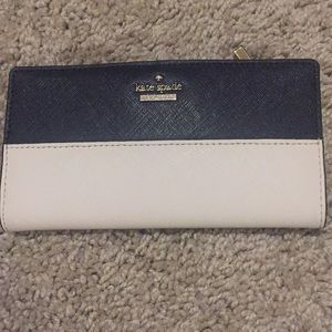 ❤️Kate Spade Laurel Way Stacy Almond Black Wallet
